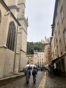 priestslyonnaise-cathedraledelyon