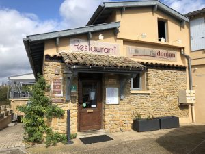 lyon-destinationbeaujolais-restaurantlatabledudonjon